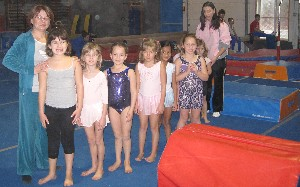 girls performing recreatioal gymnastics